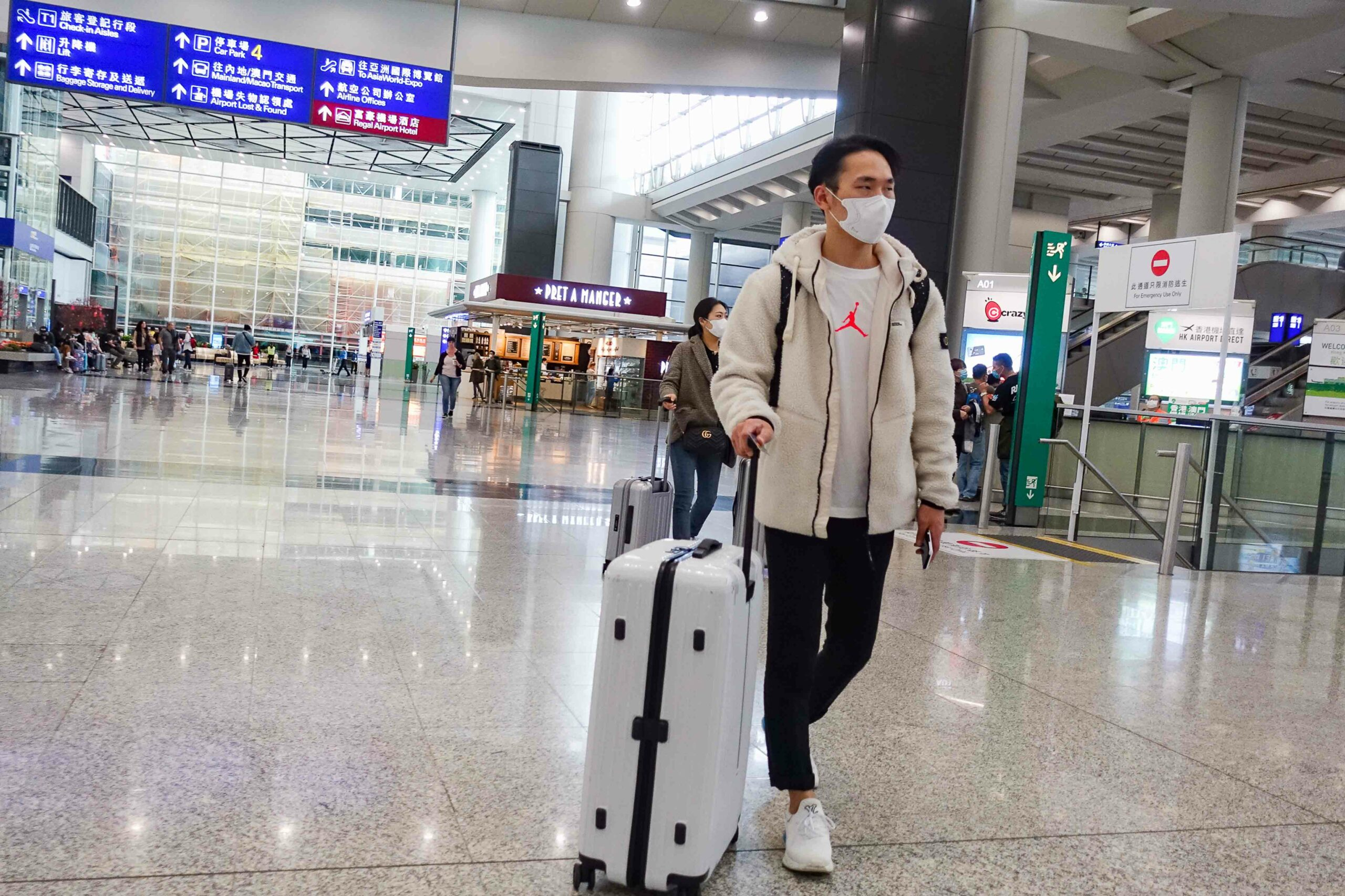 HK Airport Reports Increase in Passenger and Cargo Traffic Alfa Logistic Family