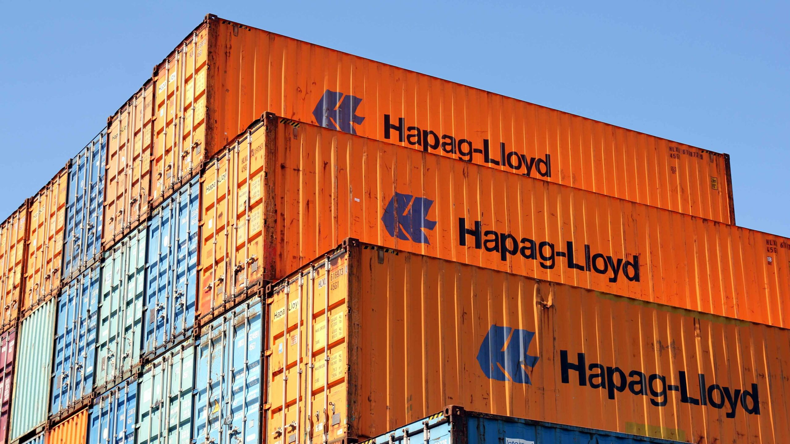 Hapag-Lloyd orders 75,000 containers Alfa Logistic Family